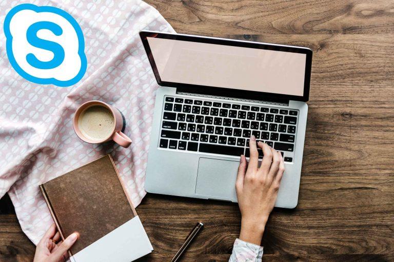 Psihoterapie online skype laptop