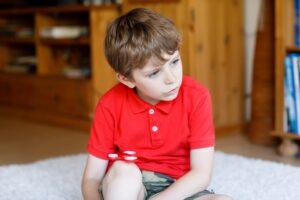 Ticuri nervoase la copii - cauze, tratamente, rolul psihoterapiei
